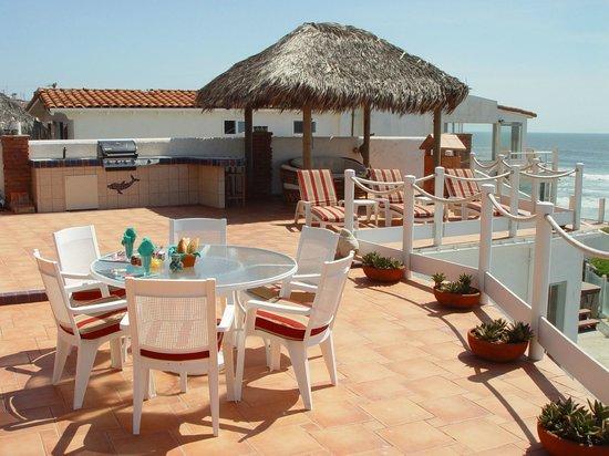 Casa Farolito Bed & Breakfast: Palapa & Patio Overlooking Beach