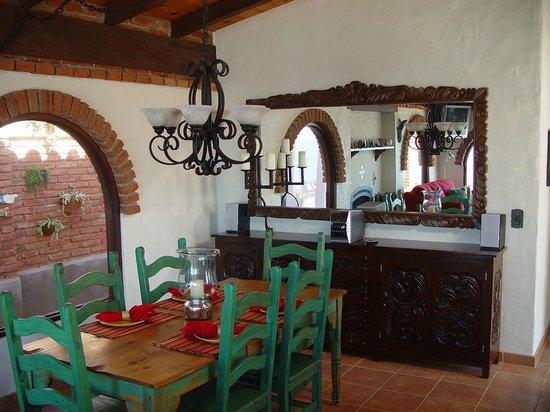 Casa Farolito Bed & Breakfast: Dining Room