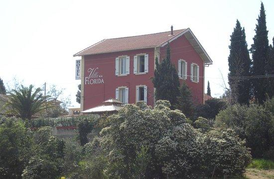 Hotel Villa Florida: vue depuis la gare