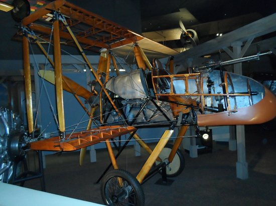 National Air and Space Museum : Brilliant Aircraft