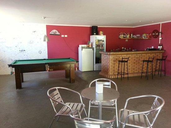 Iguassu Guest House:                   bar and social area