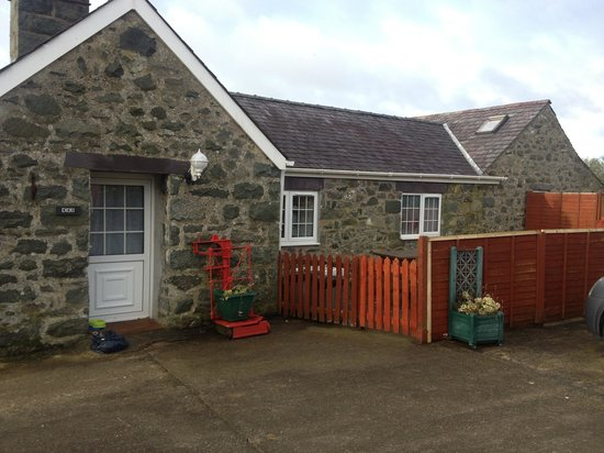 Afonwen Farm:                                     Cottage