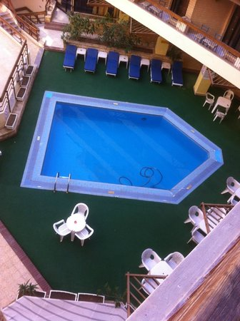 Gaddis Hotel, Suites and Apartments:                                     Poolside view
