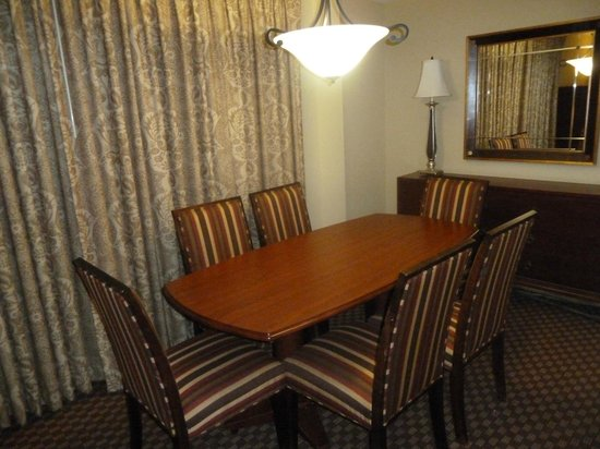 Clarion Collection Hotel Arlington Court Suites:                                     Dining Room (balcony behind curtains)