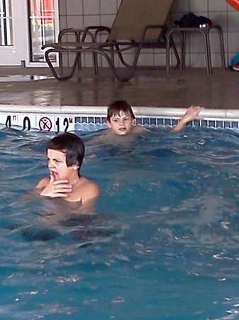 Candlewood Suites Harrisburg :                   enjoying the pool
