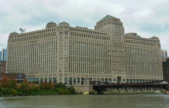 Chicago's First Lady Cruises: Merchandise Mart, Graham, Anderson, Probst & White, 1923-1931, Largest Builidng in World when bu