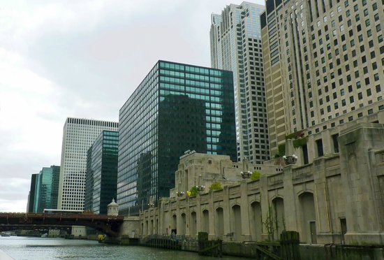 Chicago's First Lady Cruises: West Bank of South Chicago River
