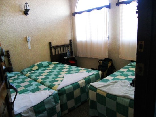 Hotel Mesa de Los Mayas:                   camera tripla con bagno