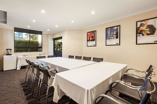 Bridgewater Apartments: Meeting Room