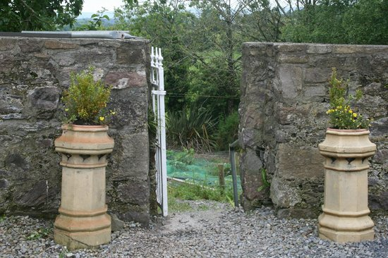 The Castle Country House : The Geatin