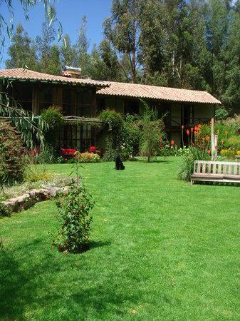 The Green House Peru: The Beautiful Garden