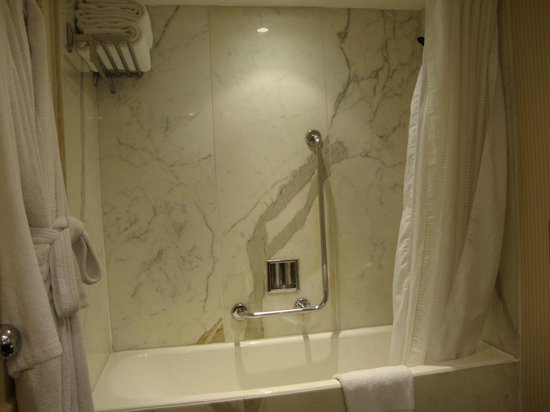 InterContinental Cairo Semiramis: Bathroom 2