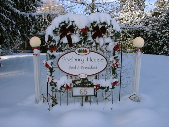 Salsbury House B&B: open year round
