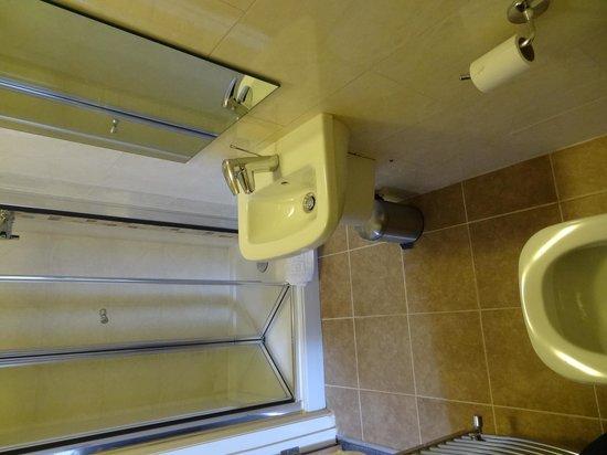 The Bocardo: bathroom