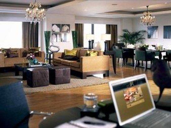 Hotel Carillon: Guest Room