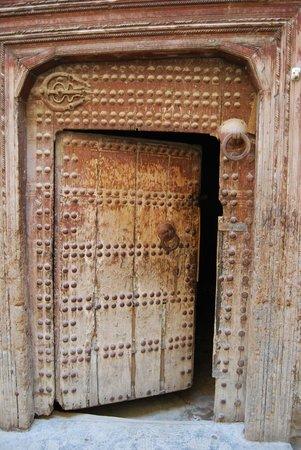 Bab Al Madina:                                     puerta féz