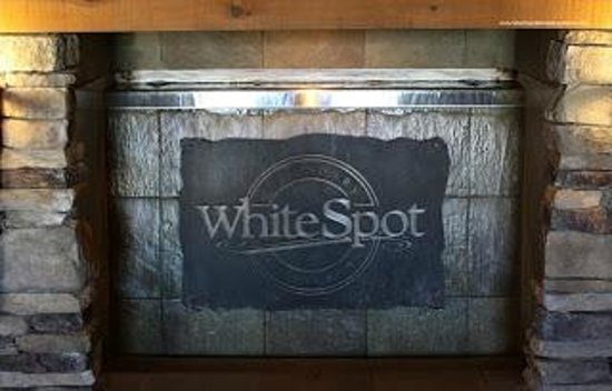 Quality Hotel & Conference Centre : White Spot Restaurant