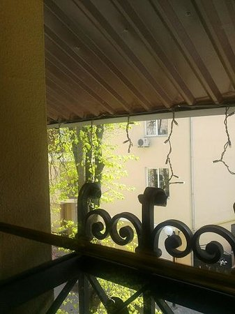 Pid Templem Hotel :                   Our small windows