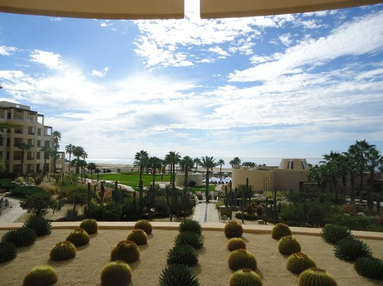 Pueblo Bonito Pacifica Golf & Spa Resort:                   This is the view from from patio off the front lobby