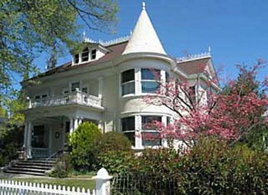 Victorian homes in Nevada City, Ca. - Picture of Nevada City Chamber of Commerce - Tripadvisor