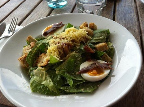 Sausalito Cafe :                   great for salads!