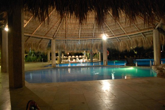 Flamingo Beach Resort & Spa: Shallow Kiddy Pool