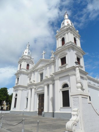 Plaza of Delights (Plaza de las Delicias): Cathedral of Our Lady of Guadalupe