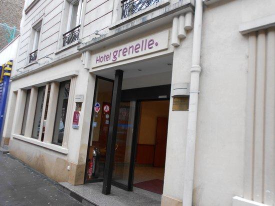 Hotel Grenelle:                   front door