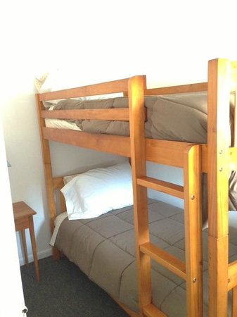 East Jordan Motel: bunks in room 8