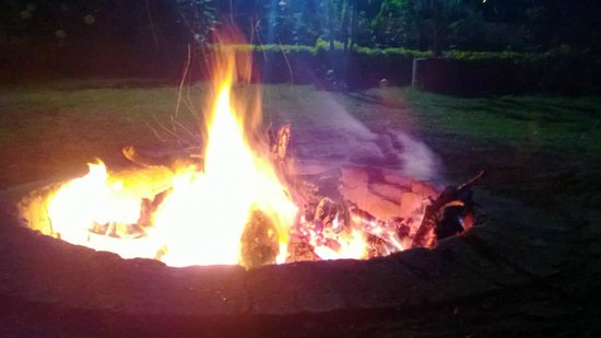 T&U Leisure Hotel:                   Evenning Bonfire at the lawn