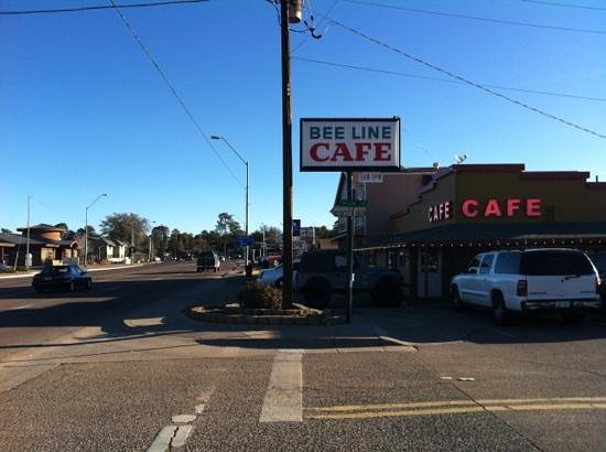 Beeline Cafe: Right on the highway on the Phoenix end of town.