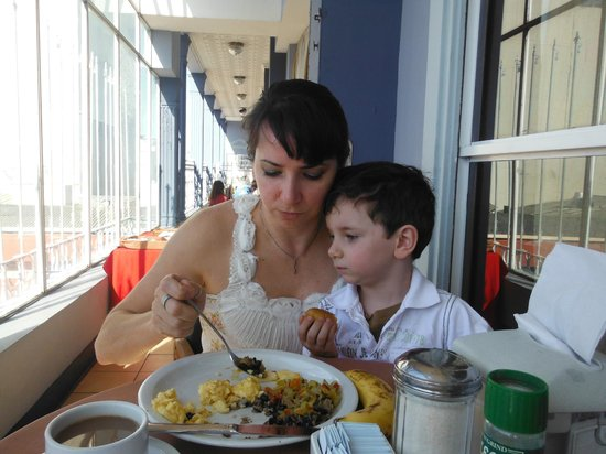 Gran Hotel Costa Rica: Breakfast on the terrace was a hilight!