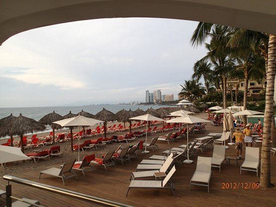 Now Amber Puerto Vallarta:                   View of the beach from the restaurant by the pool bar