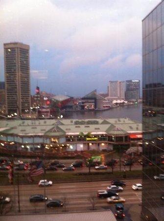 Hyatt Regency Baltimore Inner Harbor: View from elevator