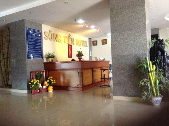 Song Tien Hotel:                   Lobby Entry