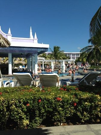 Hotel Riu Montego Bay:                                     pool bar