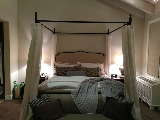 Hotel Yountville: Amazing bed...top 5!
