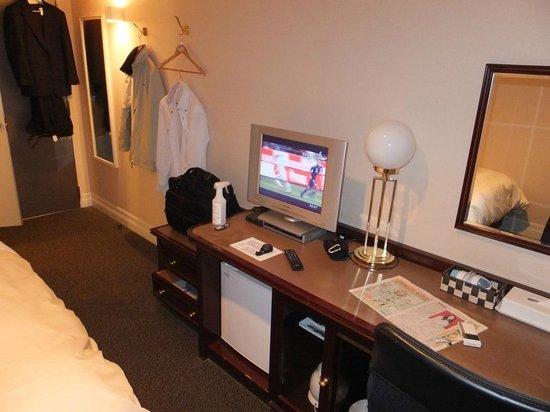 Creston Hotel :                   シングル