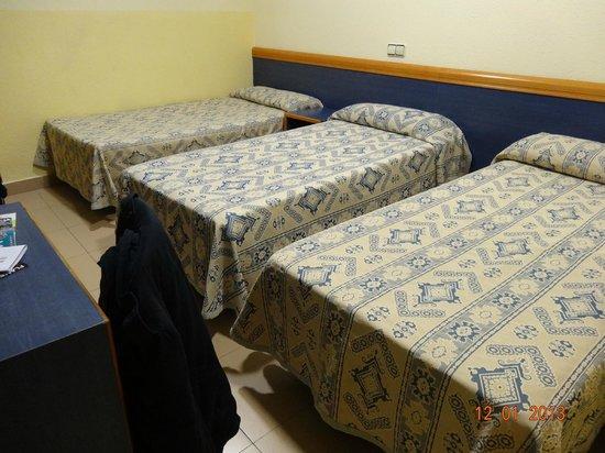 Roma Reial Hotel:                   Triple Room