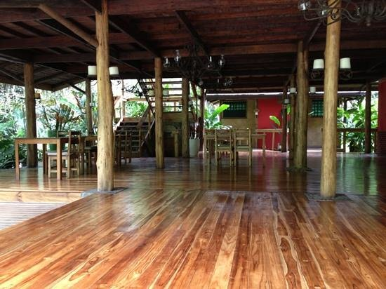Pacuare Lodge: dining and upstairs bar