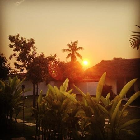 Navutu Dreams Resort & Spa:                                     Sunset view at doorstep of Explorer Room 8