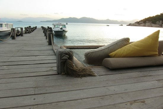 Six Senses Ninh Van Bay:                   beach bar