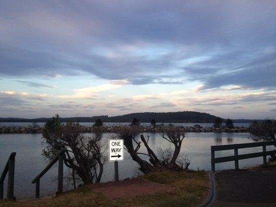 Coachhouse Marina Resort: View from balcony in morning