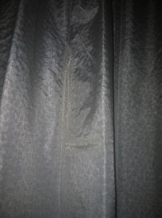 Nugget Casino Resort:                   repair in curtain fabric - very poor