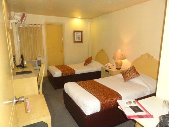 Hotel Cesario: nice clean room
