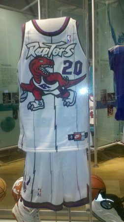 ‪‪Basketball Hall of Fame‬:                   The first Toronto Raptor Uniform
