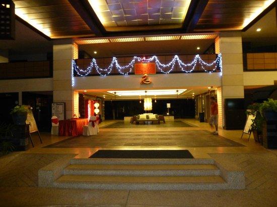 Deevana Plaza Phuket Patong:                   Front