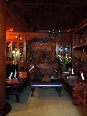 Shining Angkor Hotel Apartment:                   Lobby