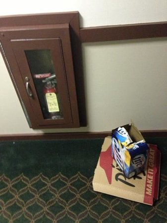 Ramada Fargo: trash in the hallway.