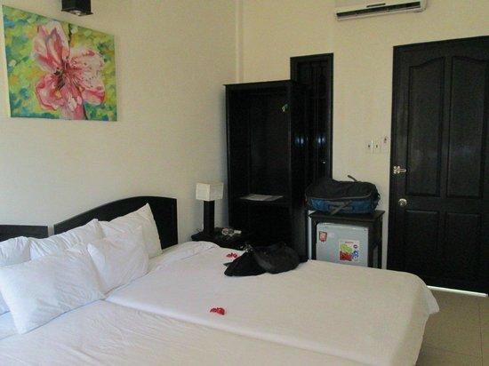 โรงแรมเจด:                   Our room